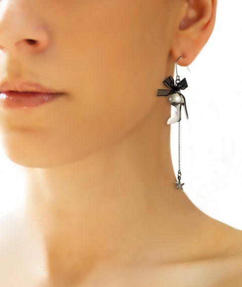 Cinderella Zirconia Earrings Wear