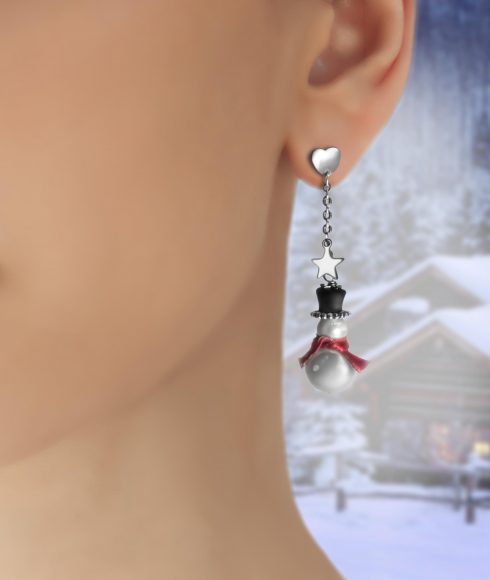 Snow Pearls Earrings Wear